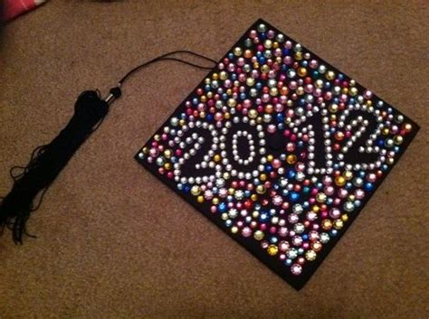 Graduation Cap Decorating by Decorated Graduation Caps Ideas On How To Decorate