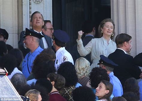 download movies online the post by meryl streep and tom hanks tom hanks and meryl streep film first ever scene together daily mail online