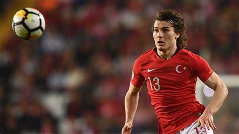Arsena Set arsenal set to sign turkey defender caglar soyuncu from freiburg club chief football ace