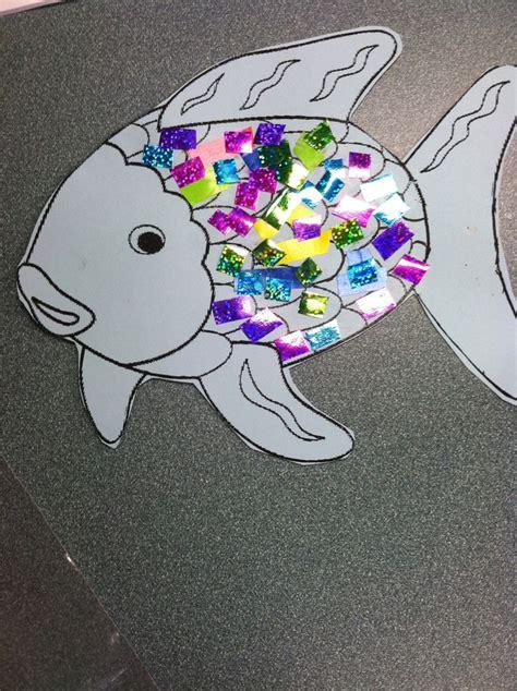 Rainbow Fish Craft Arts Amp Crafts School Pinterest