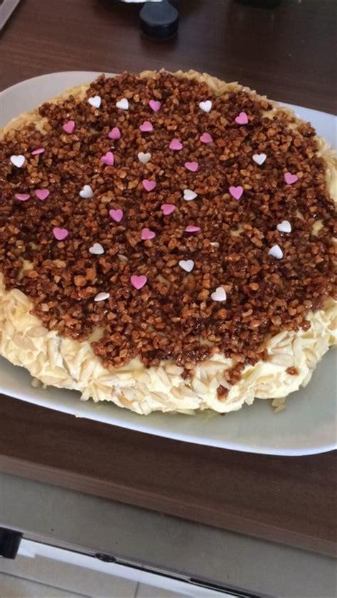 kuchen mit paradiescreme aprikosen paradiescreme kuchen mit knuspermandeldecke