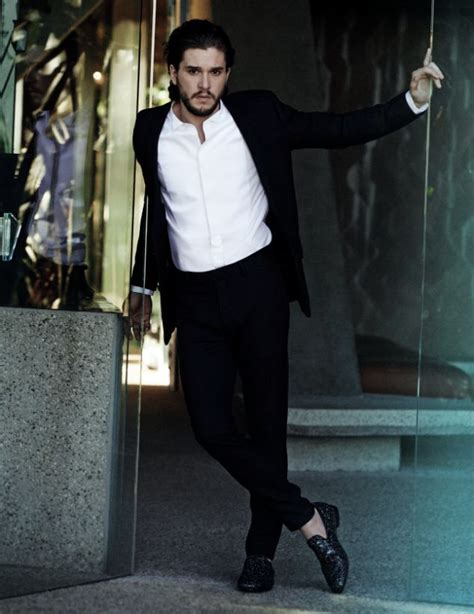 Hair Style Kit Shoes by Of Thrones Kit Harington Ditches His Armor For