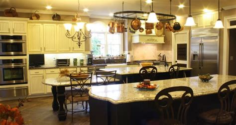 ULTIMATE, LLC   Fine Kitchen Cabinetry