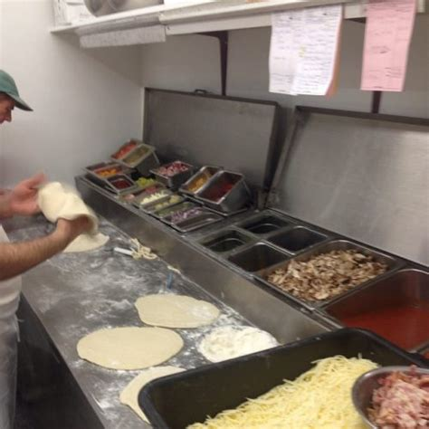Kitchen Delivery Abruzzo Pizza Delivery Take Out Family Dining Italian