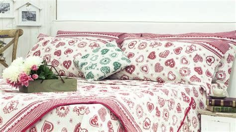 cuscini tirolesi lenzuola tirolesi bellezza rustica per il letto dalani