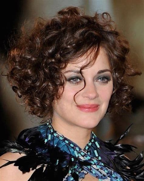hairstyles curled in a circle 21 curly hairstyles for round faces feed inspiration