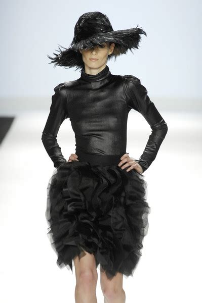 New York Fashion Week Fall 2008 The Project Runway Finale Show by Christian Siriano Fall 2008 Runway Pictures Livingly