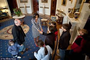 tours of the white house michelle obama announces the white house will allow photos and social media on tours