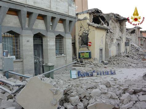 decreti consiglio dei ministri consiglio dei ministri approva decreto legge su terremoto