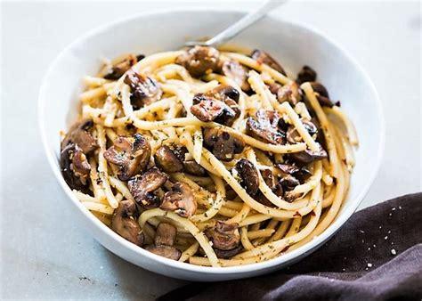 cucinare funghi prataioli spaghetti ai funghi prataioli buonissimo