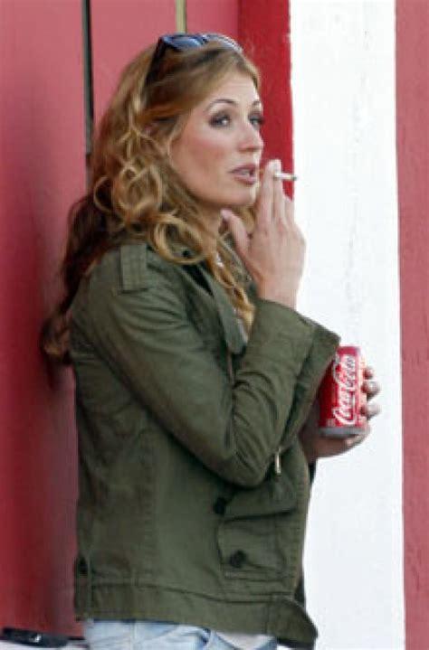 uk female celebrities smoking pregnant smoking celebrities driverlayer search engine