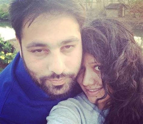 badshah singer wife badshah blessed with a baby girl see his daughter s first