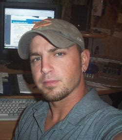 i am a 42 year old man dating a 25 year old woman never mack0091980 47 year old man from beverly hills