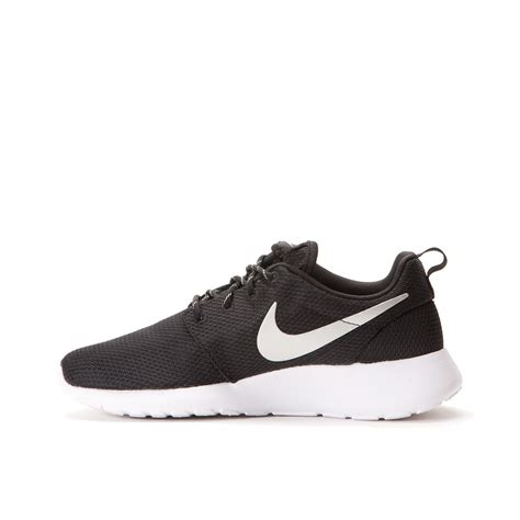 nike wmns roshe run black metallic platinum white