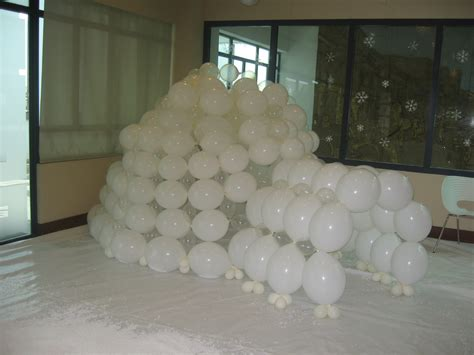 How To Make A Paper Mache Igloo - 25 best ideas about how to make an igloo out of paper