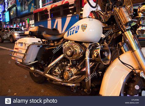 Motorrad Nyc by New York City Nypd Motorrad Hautnah In Der Nacht In Times