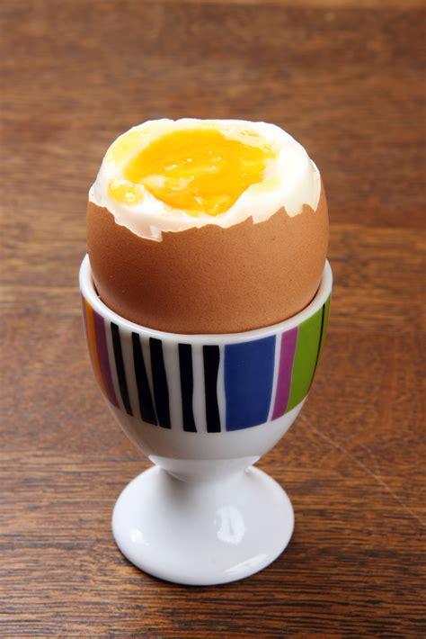 come cucinare l uovo alla coque uovo alla coque l idea per preparare e cucinare la