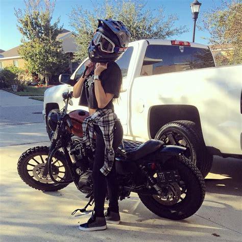 Motorrad Outfit by 25 Best Ideas About Women Motorcycle On Pinterest Women