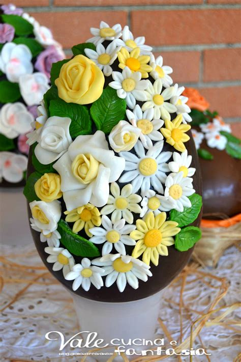 decorazioni torte pasta di zucchero fiori uova di pasqua decorate con fiori in pasta di zucchero