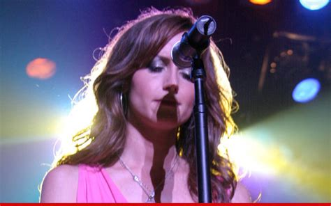 Country Singer Comes Out Of The Closet by Chely Wright To Frank Coming Out Is Liberating