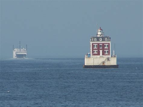 thames river lighthouse thames river lighthouse new england today