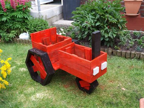 Made Planters by Pallets Made Planter Tractor Pallet Ideas Recycled