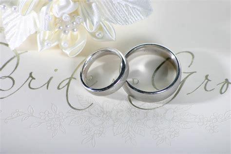 beautiful simple wedding rings