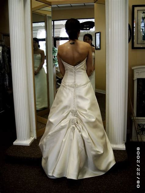 17 Best ideas about Wedding Dress Bustle on Pinterest