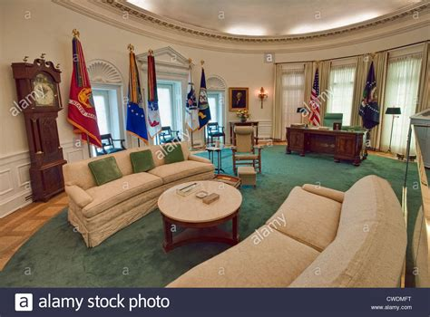in oval office white house inside oval office www imgkid the