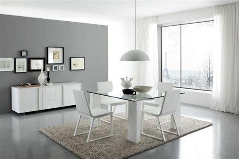 la sencillez de la decoracion minimalista en el comedor