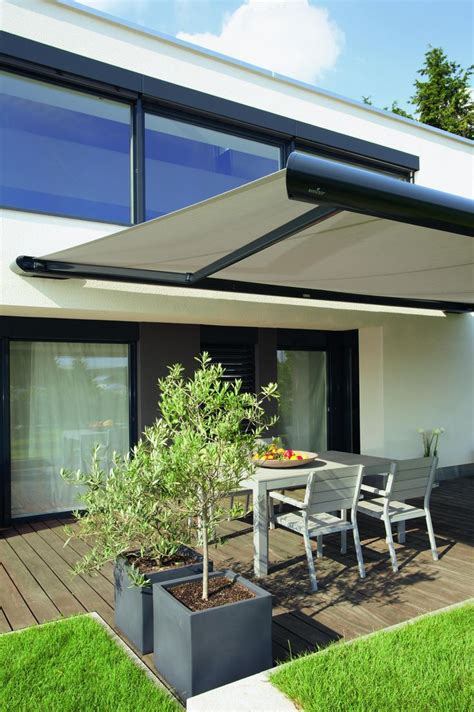 Pull Out Awnings For Decks 25 Best Ideas About Retractable Awning On