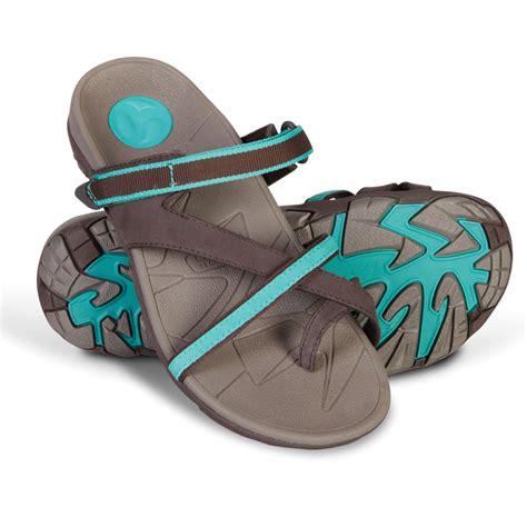 sandals plantar fasciitis the s plantar fasciitis sports sandals hammacher