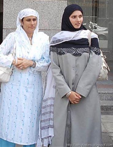 tennis sania mirza in islamic styles