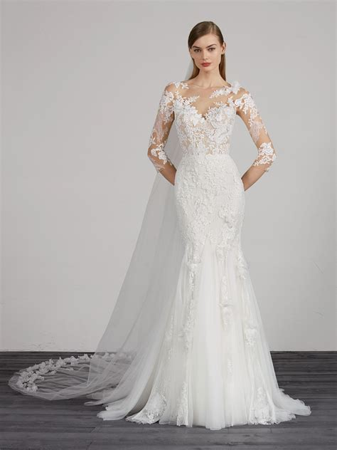 lovely mermaid wedding dress  illusion neckline