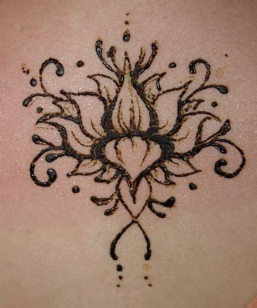 henna tattoo small flower 75 henna tattoos that will get your creative juices flowing