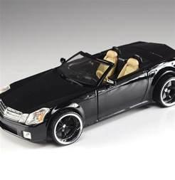 Cadillac 2001 Models 2001 Wheels Cadillac Xlr Die Cast Model Car Ebth