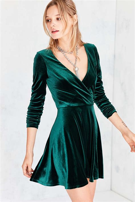 design lab velvet dress 21 velvet dresses to wear all season long velvet dresses