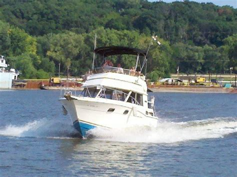 east peoria boat club 1989 30 ft carver w aft cabin peoria 61611 east peoria