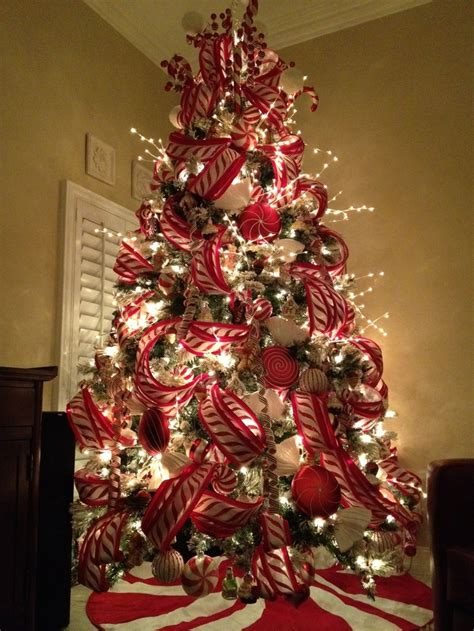 how to decorate a tree professionally how to decorate a tree like a professional search family photos