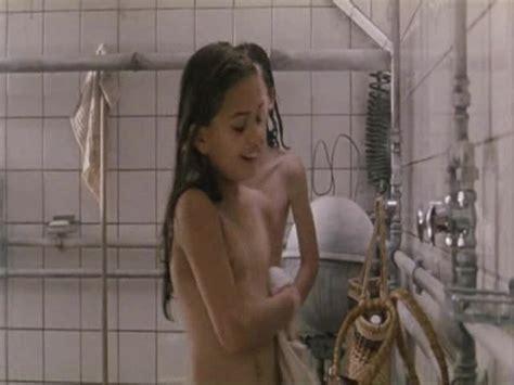 Ogginoggen Nude Scenes