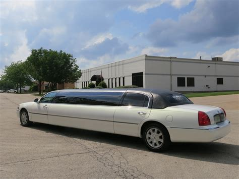 Limousine Stretch by Lincoln Town Car Stretch Limousine 10 Passenger