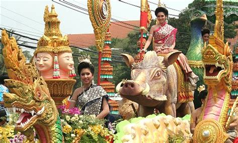 new year traditions in thailand happy songkran from thailand thai blogs