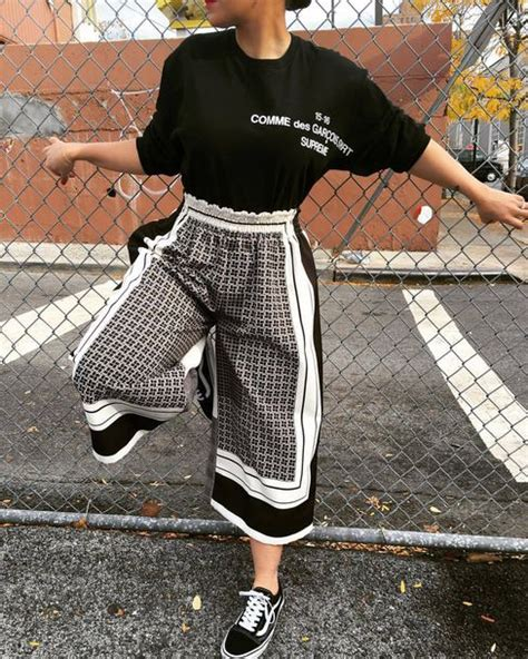 black and white pattern pants outfit pants clothes culottes pattern monochrome geometric