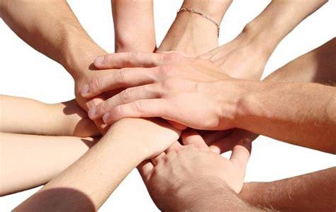 imagenes varias manos entrelazadas nace business agility corporation para promover la