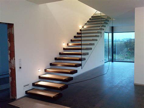 Freischwebende Treppe Kosten by Escaleras Voladas Escaleras Laravid Trabajos En Acero