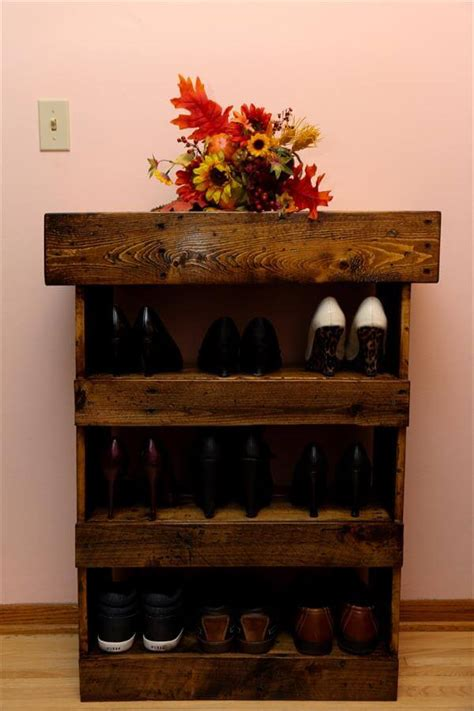 Entryway Wood Bench Diy Aged Pallet Shoe Rack 101 Pallets