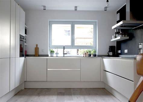 küchen layouts l förmig k 252 che k 252 che wei 223 hochglanz u form k 252 che wei 223 at k 252 che