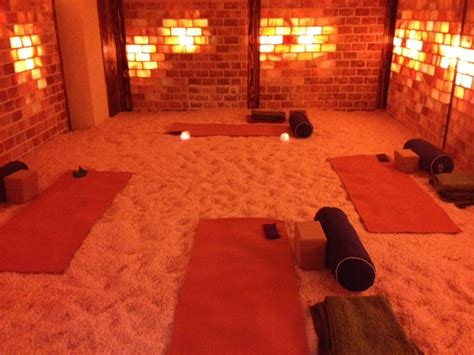 Salt Room Benefits by Do In A Room Filled With Himalayan Salt Yes