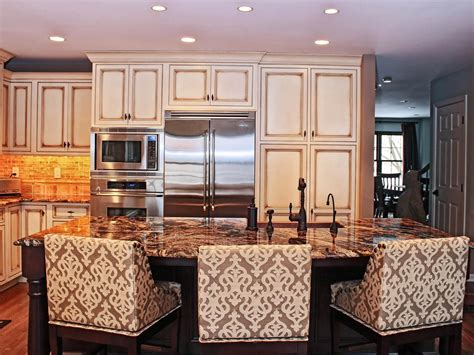 Kitchen Island With Seating For 3 Kitchen Islands With Seating Pictures Ideas From Hgtv Hgtv