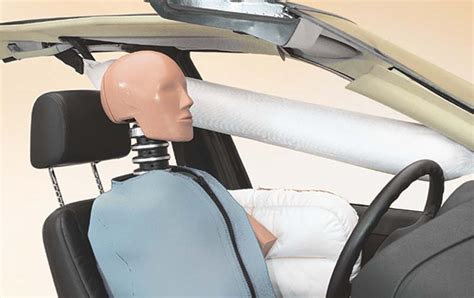 head curtain airbags side airbags reduce fatality risk